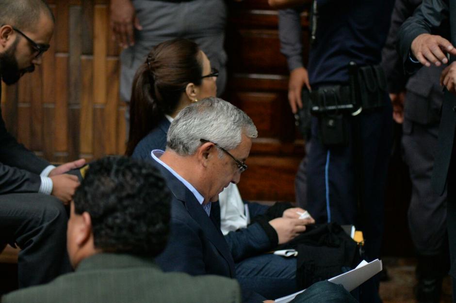 Durante el inicio estuvo repasando su declaración. (Foto: Wilder López/Soy502)