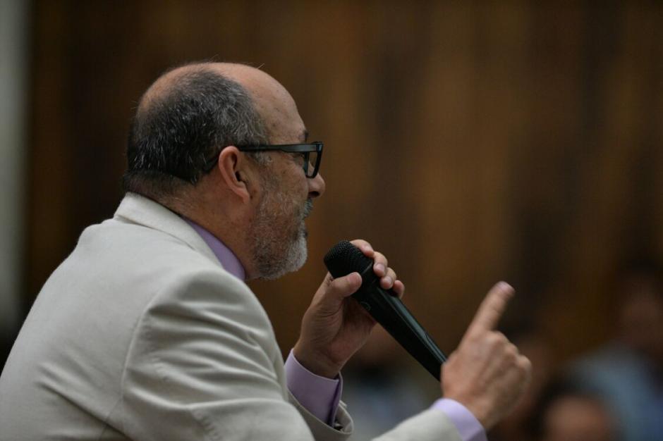 El abogado Moisés Galindo realizó este día la defensa técnica a favor de su cliente. (Foto: Wilder López/Soy502)