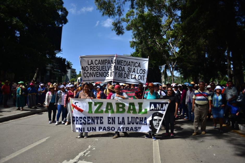 El sindicato del magisterio caminó por la Avenida Reforma. (Foto: Jesús Alfonso/Soy502)