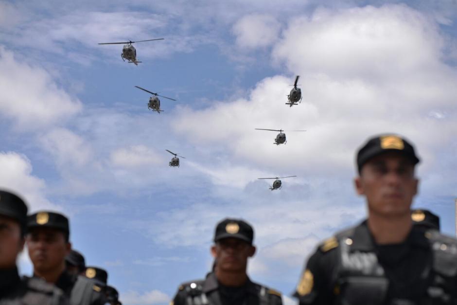Los helicópteros de la PNC sobrevolaron la zona 1. (Foto: Wilder López/Soy502)