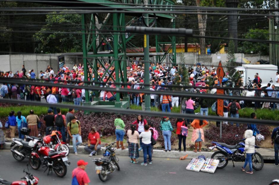 Se desconoce hasta qué hora estará bloqueado el ingreso a la ciudad. (Foto: Alejandro Balan/Soy502)