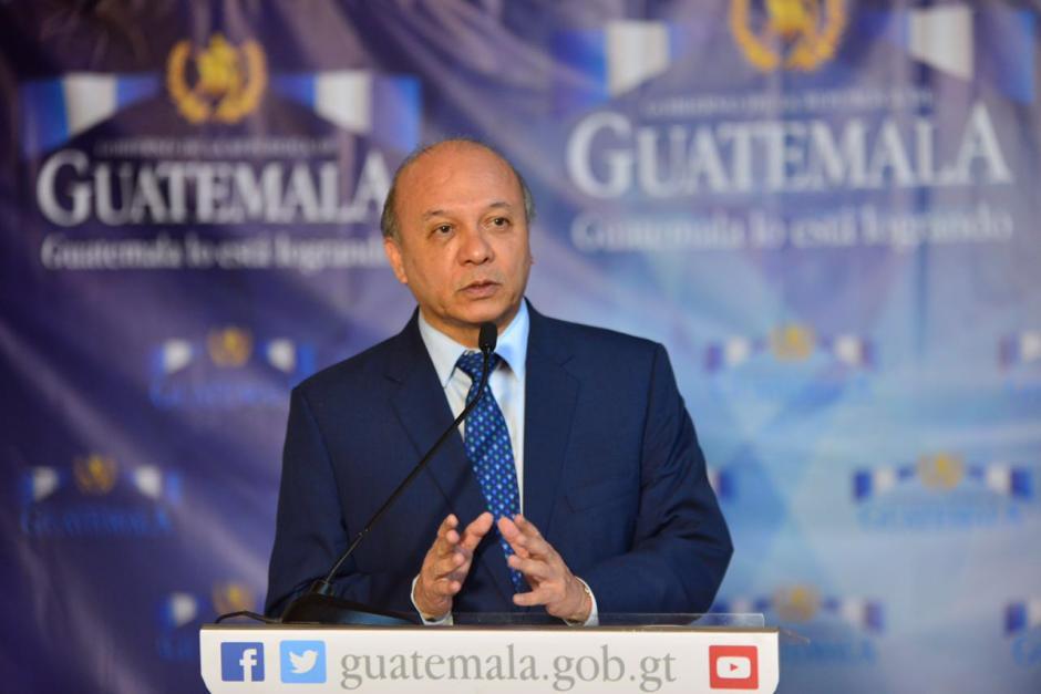 El ministro de Cultura y Deportes, José Luis Chea, indicó que no tiene conocimiento de esta compra de pelotas. (Foto: Jesús Alfonso/Soy502)
