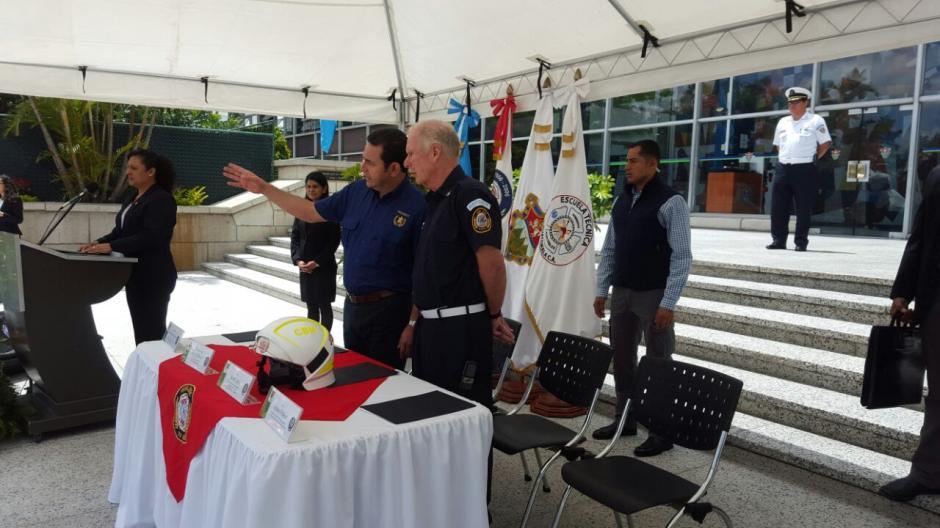 El presidente participó junto a Arzú en el acto de reconocimiento.  (Foto: Gobierno)