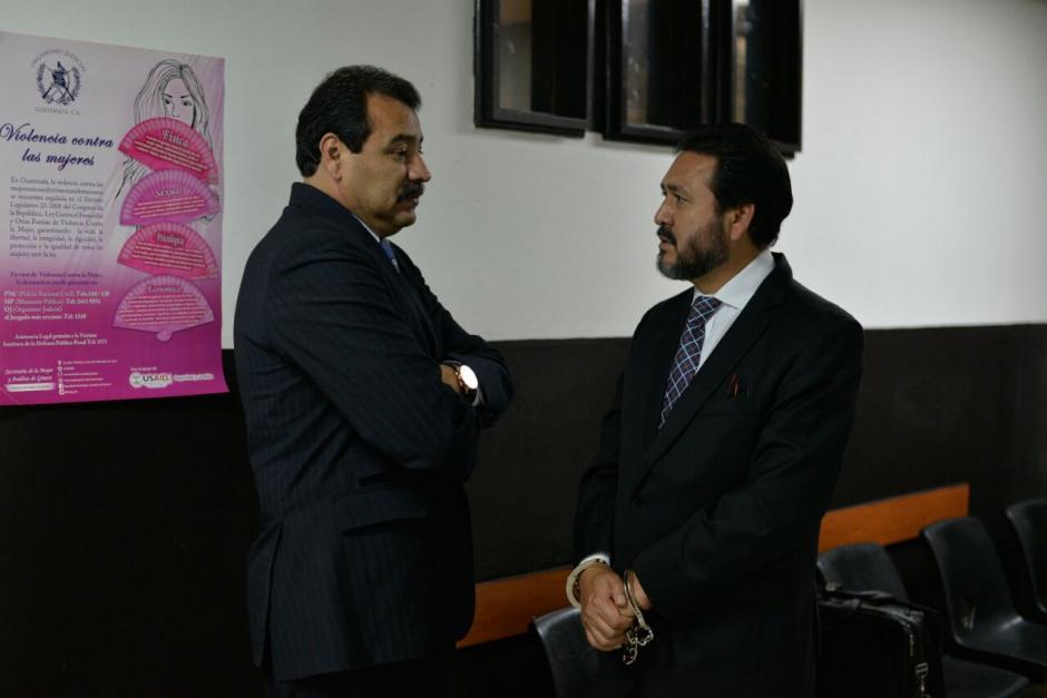 César Calderón, abogado de Rivera, señaló que no puede estar en el inicio del juicio ya que debe atender a otro cliente en Cooptación del Estado. (Foto: Wilder López/Soy502)
