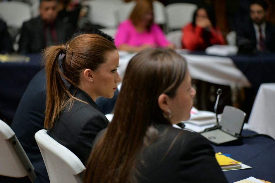 Luego que su abogado expusiera porque no debe ser enviada a prisión, Beltranena tomó la palabra. (Foto: Wilder López/Soy502)