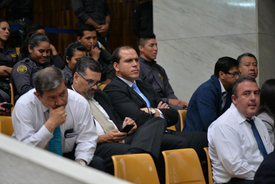 Dwight Pezzarozzi, exministro de Cultura, espera impaciente que el juez concluya. (Wilder López/Soy502)