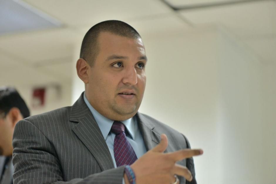 Francisco Solórzano Foppa, superintendente de la SAT, presentó este martes los resultados de la recaudación del mes de julio. (Foto: Wilder López/Soy502)