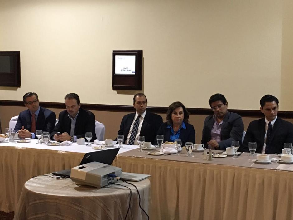 A la reunión asistieron Sandra Torres, Juan Gutiérrez y Stella Alonzo, entre otros. (Foto: Cacif)