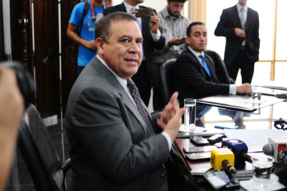 Velásquez señala que todas las operaciones del banco continúan con normalidad y no se afecta a nadie. (Foto: Alejandro Balán/Soy50)