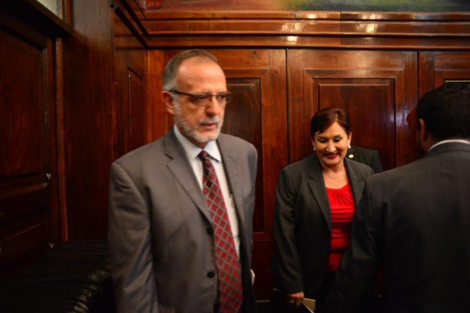 Velásquez y Aldana explicaron sus argumentos a los diputados. (Foto: Jesús Alfonso/Soy502)