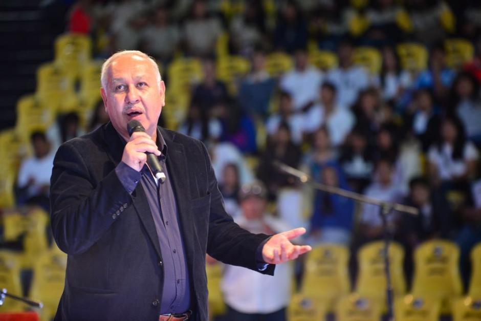 El ministro García les solicitó una constancia de que no estaban involucradas para seguir operando hasta que se demuestre lo contrario. (Foto: CIV)