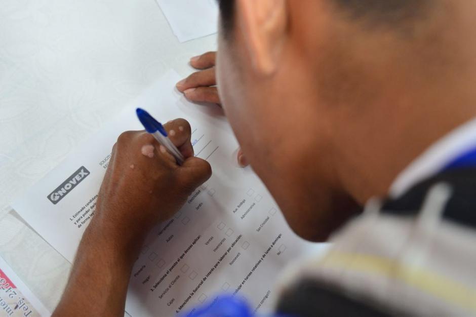 Para aplicar solo es necesario que lleves tu Currículum Vitae actualizado. (Foto: Jesús Alfonso/Soy502)