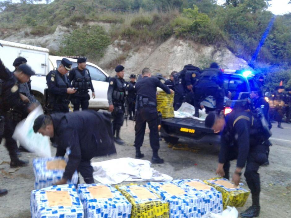 La droga fue embalada para ser transportada a la ciudad de Guatemala. (Foto: PNC)