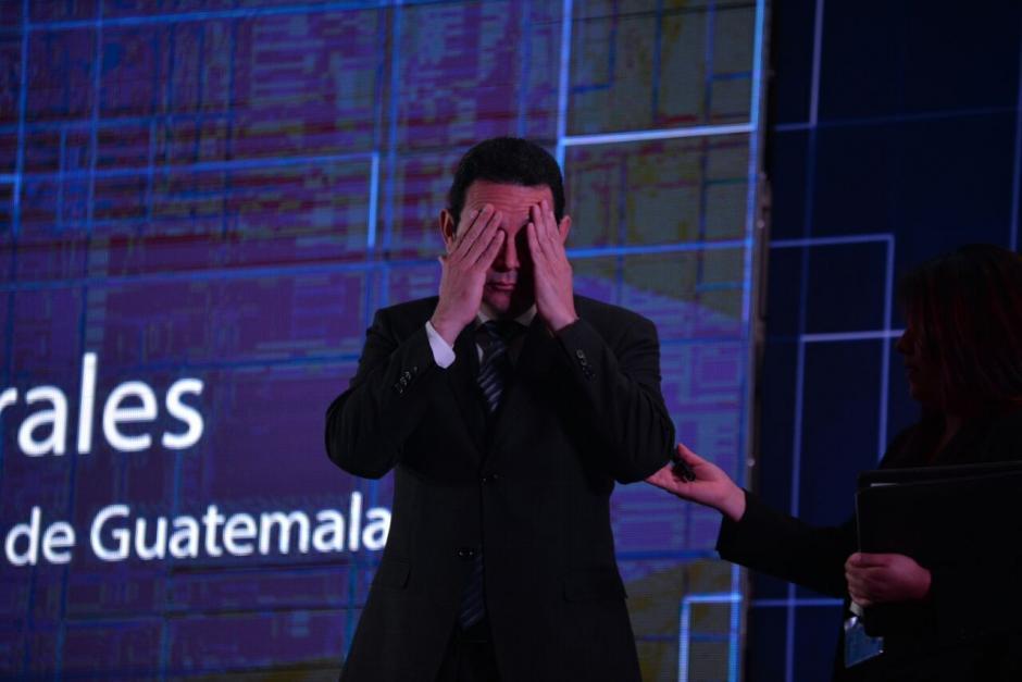 El presidente reconoció la brecha digital y se comprometió a reducirla. (Foto: Wilder López/Soy502)
