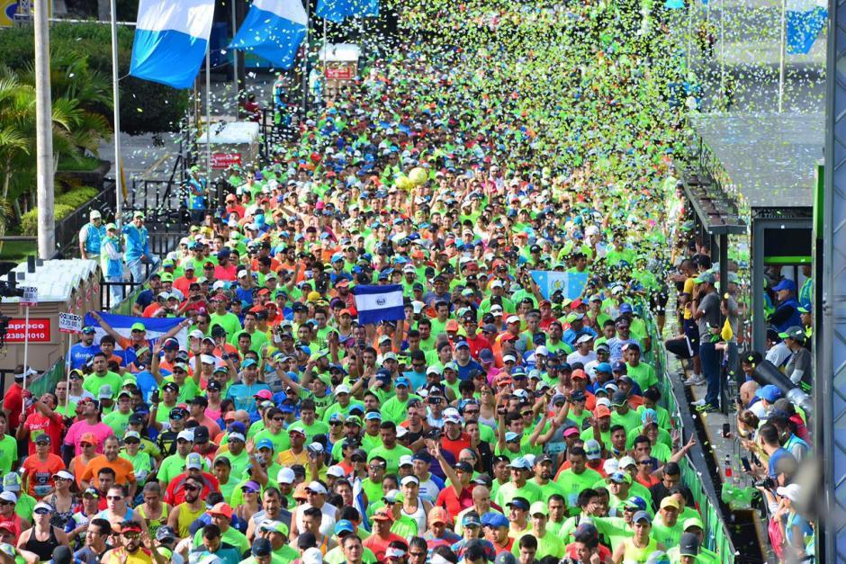 La salida estuvo llena de color. (Foto: Jesús Alfonso/Soy502)