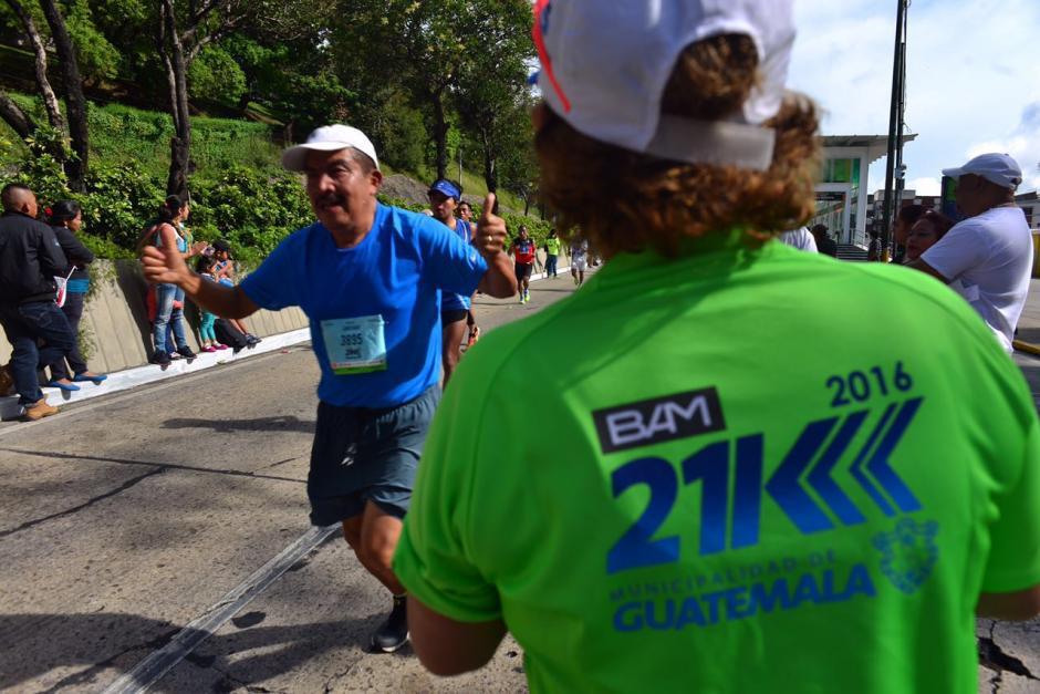 La gente disfrutó de correr y de ver la carrera. (Foto: Jesús Alfonso/Soy502)