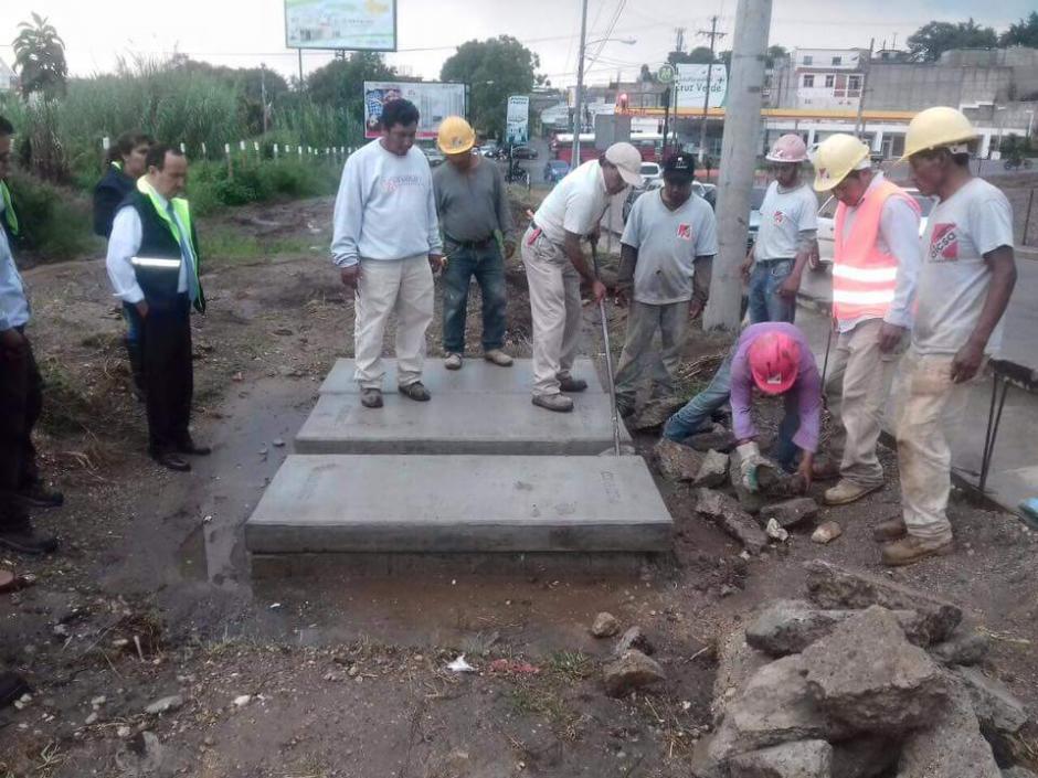 Aparentemente, el agua pluvial del comercial afectó uno de los pozos de Las Minervas. (Foto: Muni Mixco)