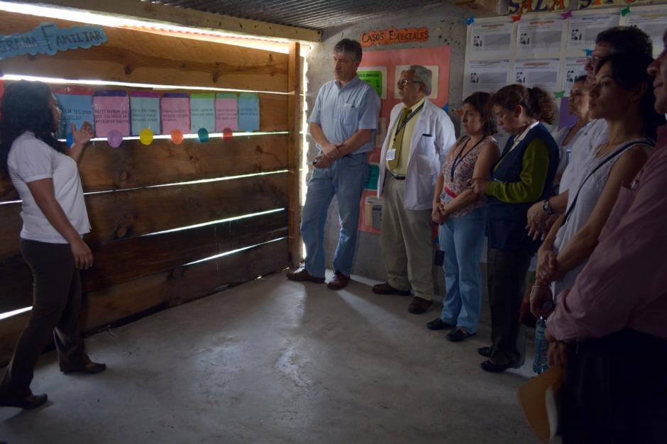 La ministra de Salud visitó un puesto de salud que implementa el MIS en Cuilco, Huehuetenango. (Foto: MSPAS)
