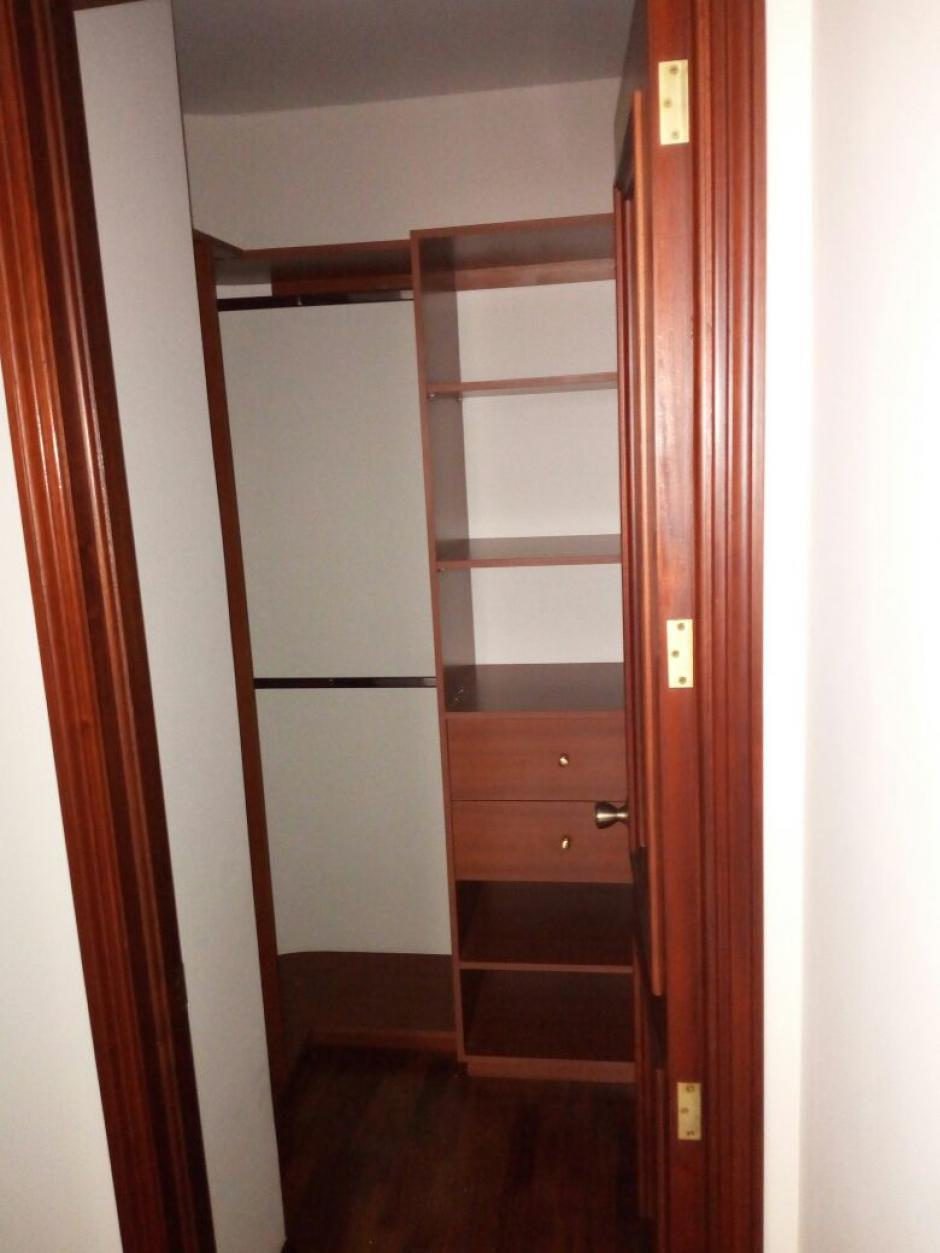 El apartamento cuenta con una remodelación valorada en 409 mil 500 quetzales. (Foto: MP)