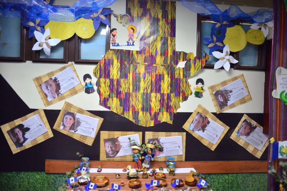 Los altares fueron instalados por empleados del Organismo Judicial. (Foto: Jesús Alfonso/Soy502)