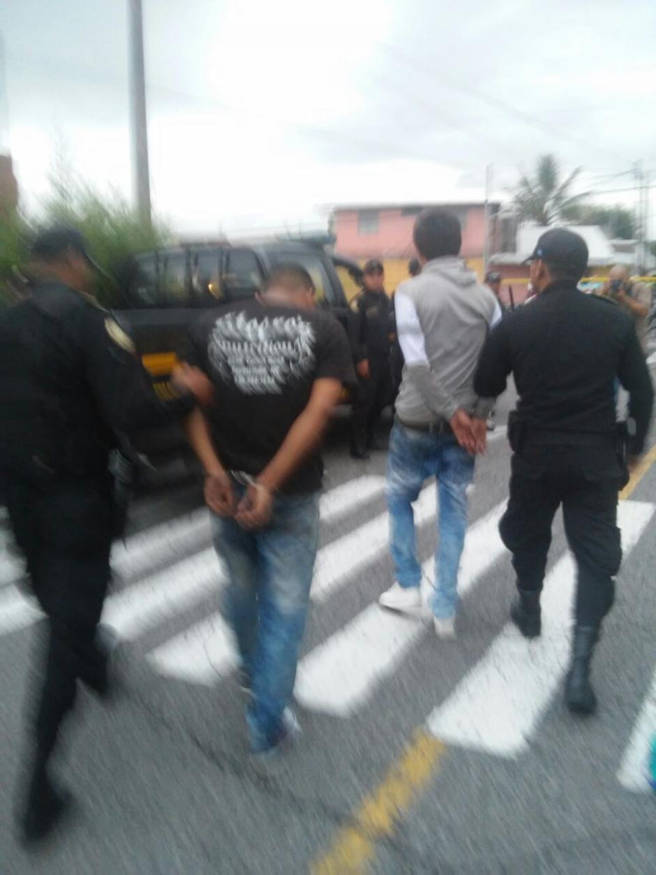 Dos menores de edad fueron capturados como sospechosos del ataque. (Foto: PNC)