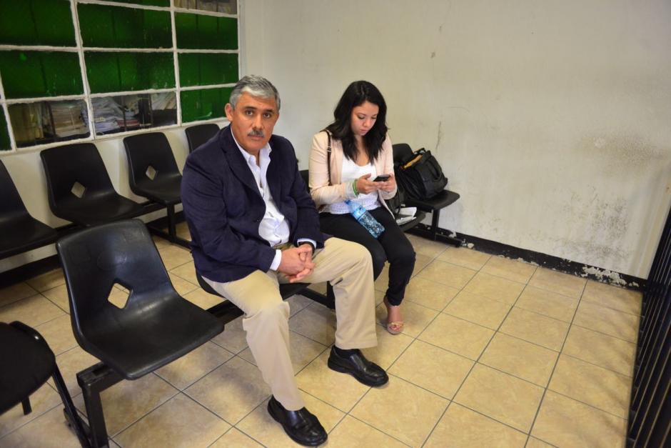 Claudio Solís se presentó al Juzgado de Primera Instancia en Villa Nueva voluntariamente. (Foto: Jesús Alfonso/Soy502)