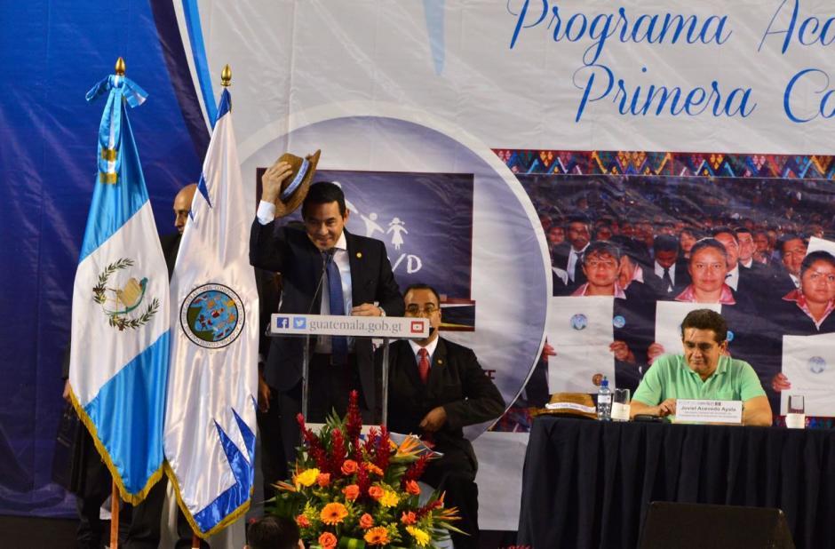 El presidente Jimmy Morales respaldo al sindicato de Joviel Acevedo. (Foto: Jesús Alfonso/Soy502)