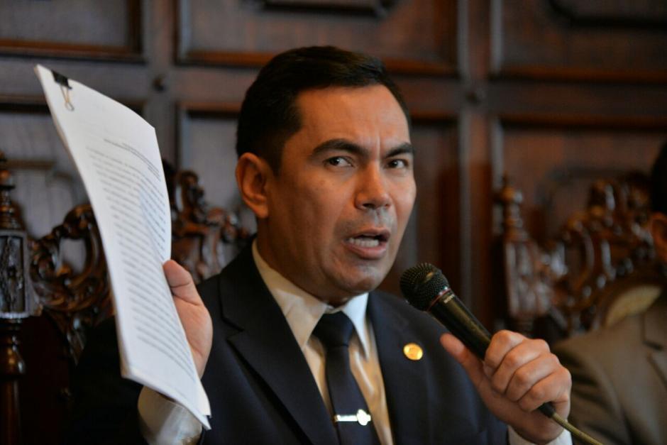 Después de dos meses de las compras de juegos autóctonos el viceministro continua en su cargo. (Foto: Wilder López/Soy502)