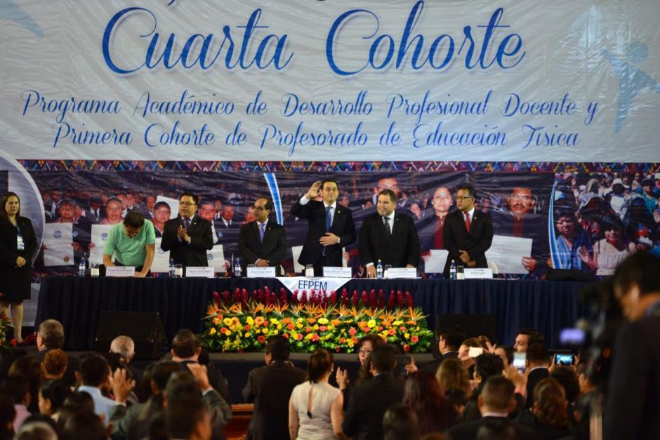 El presidente Jimmy Morales participó en un acto de graduación de docentes. (Foto: Jesús Alfonso/Soy502)