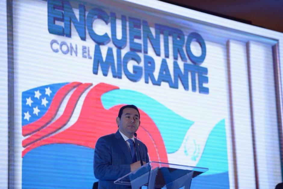 Al finalizar el séptimo Encuentro con el Migrante, Jimmy Morales dio declaraciones a la prensa. (Foto: Wilder López/Soy502)