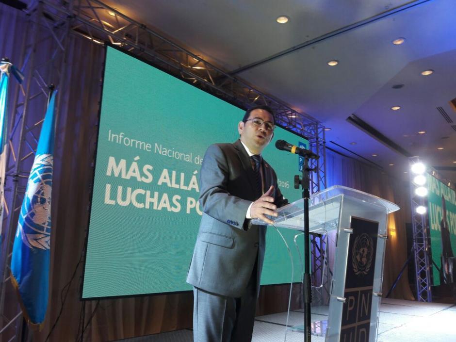 El presidente Jimmy Morales ofreció unas palabras durante la entrega del informe de desarrollo humano realizado por la PNUD. (Foto: Javier Lainfiesta/Soy502)