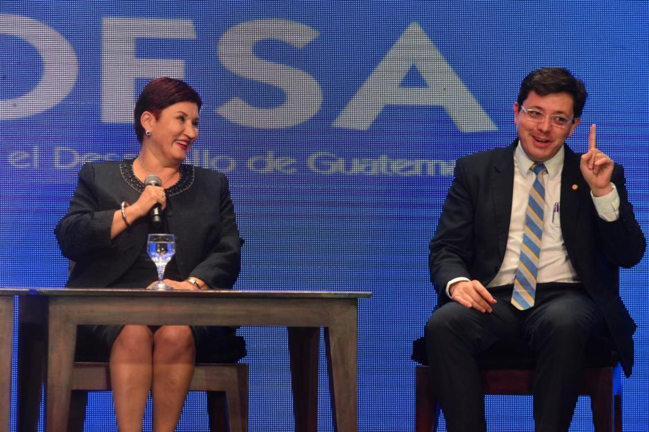 La Fiscal General Thelma Aldana junto con el actual ministro de Finanzas. (Foto: Jesús Alfonso/Soy502)