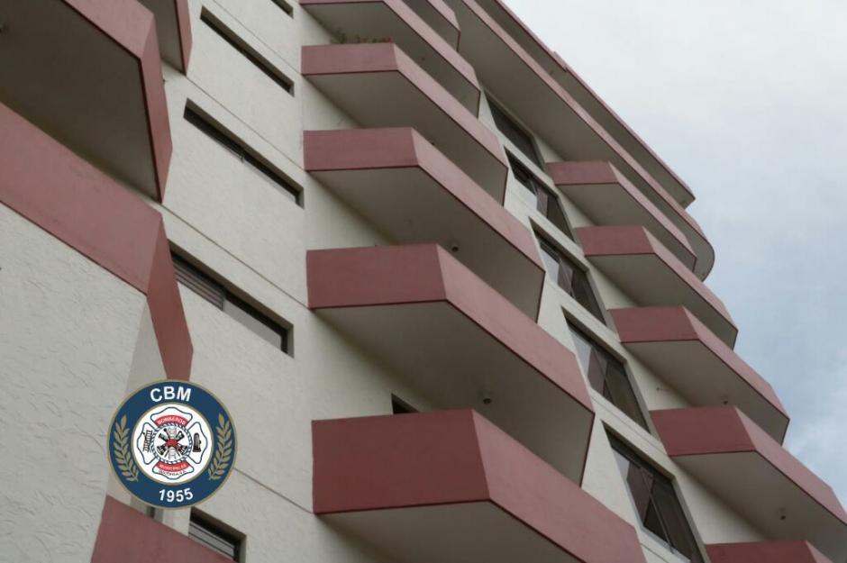 Los apartamentos están ubicados en la 2a. Calle 21-91, Vista Hermosa I, zona 15. (Foto: Bomberos Municipales)