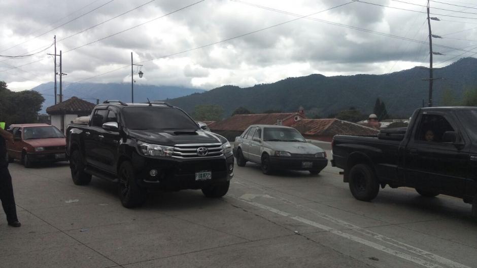 El tránsito en Antigua estuvo afectado cerca de dos horas. (Foto: Tránsito PNC)