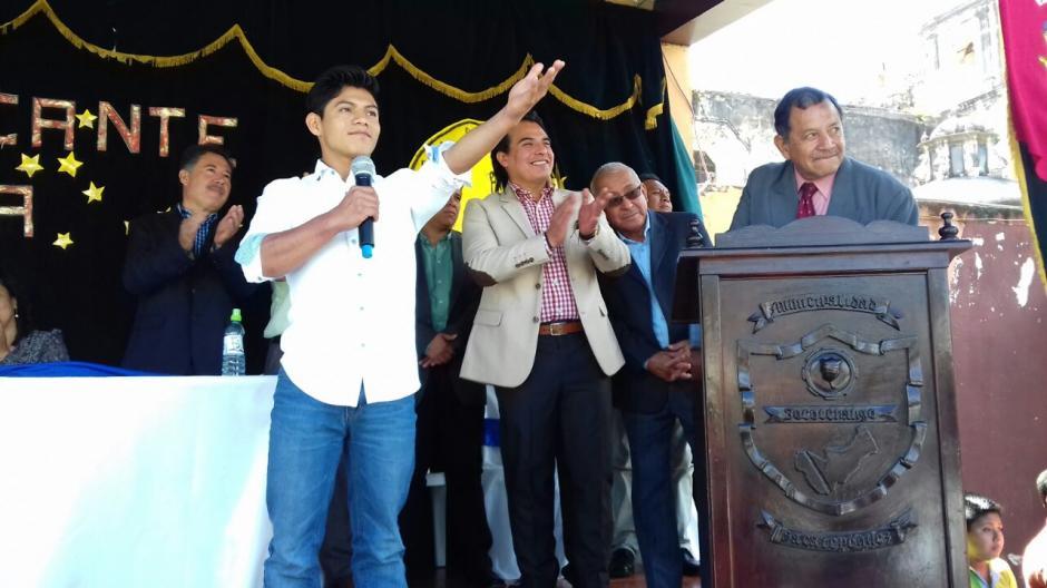 El gimnasta agradeció el homenaje que le hicieron en su pueblo natal. (Foto: Pablo Solís/Nuestro Diario)