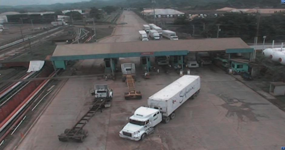 La PNC ofreció escolta a varios contenedores. (Foto: Soy502)