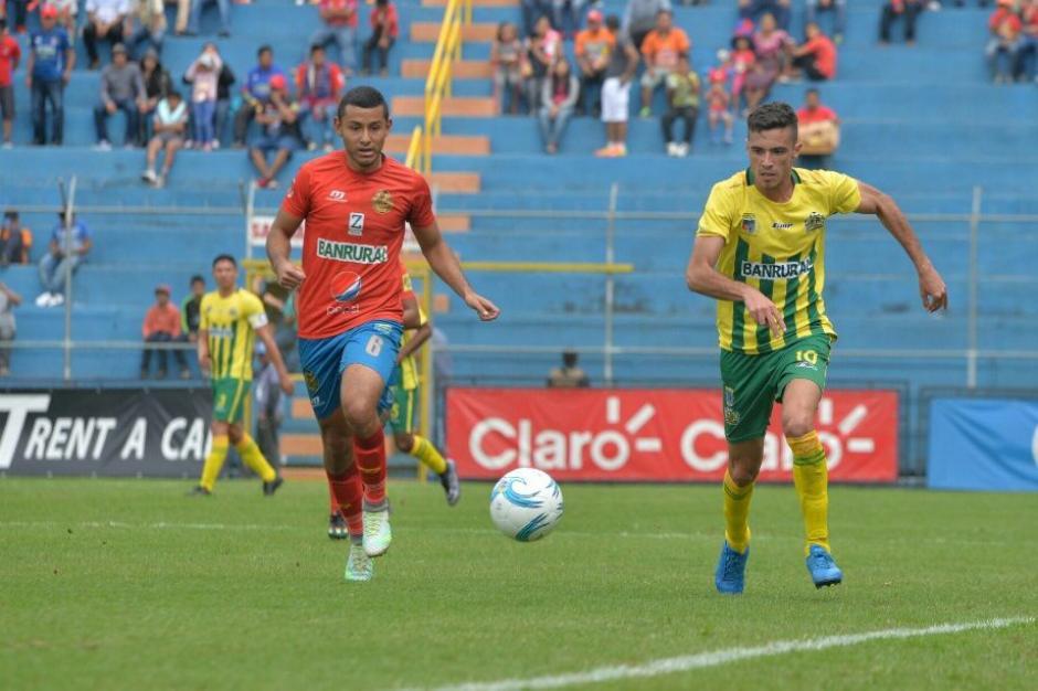 """Sin embargo, los """"Rojos"""" lograron mantener el ritmo y ganaron al anotar otro gol. (Foto: Wilder López/Soy502)"""