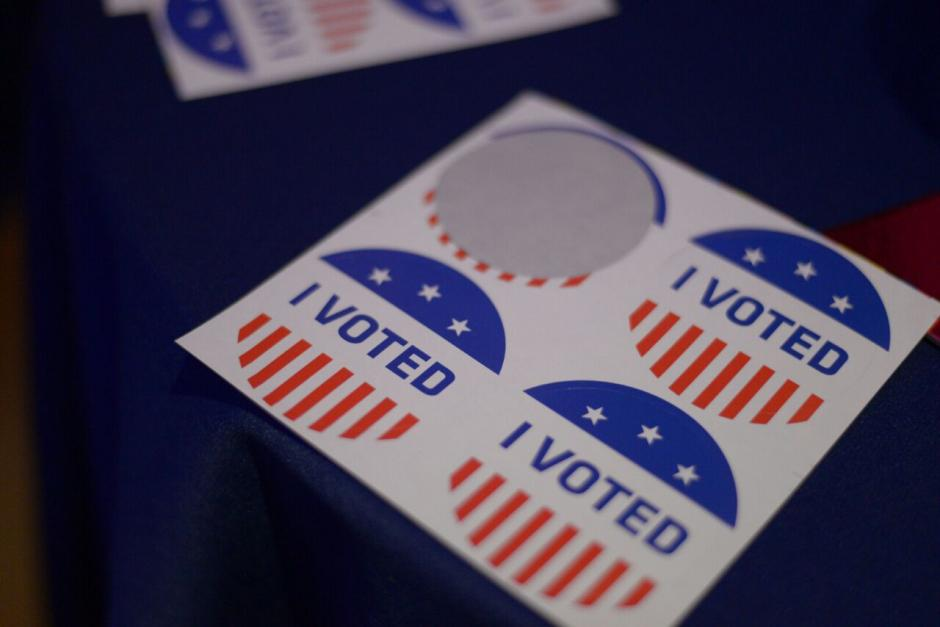 Los asistentes pudieron emitir su voto. (Foto: Wilder López/Soy502)