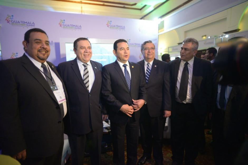 Antes del evento realizó un recorrido y compartió fotografías con las empresas. (Foto: Wilder López/Soy502)
