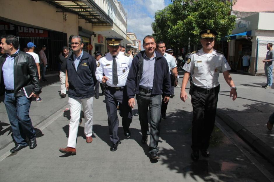 En el recorrido también estuvo presente el viceministro de prevención de la violencia y el delito, Axel Romero. (Foto: Mingob)