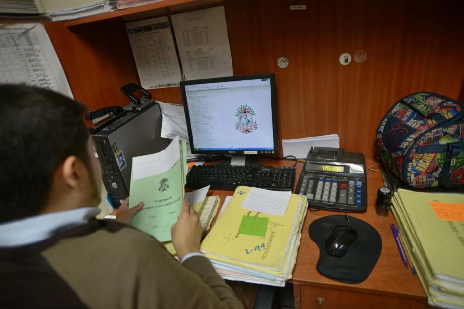 El SAP solo se ha implementado en cuatro máquinas del área de pensiones en las oficinas del IGSS central. (Foto: Wilder López/Soy502)