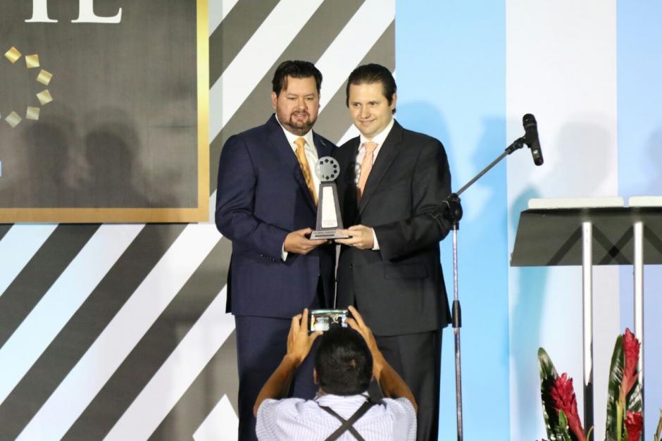José Alberto y Andrés Rivera, fueron galardonados en la categoría Expansión. (Foto: Alejandro Balán/Soy502)