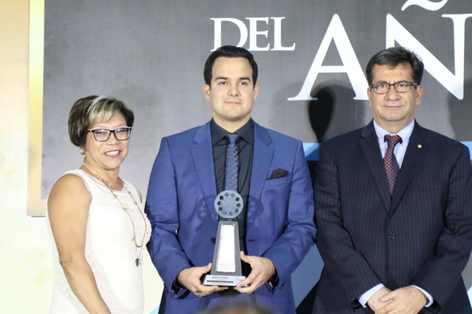 Héctor Centeno recibió el galardón en la categoría Creatividad e Innovación.