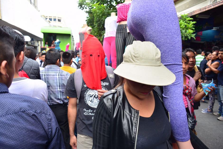 Algunos sancarlistas apoyaron la causa de los vendedores. (Foto: Jesús Alfonso/Soy502)