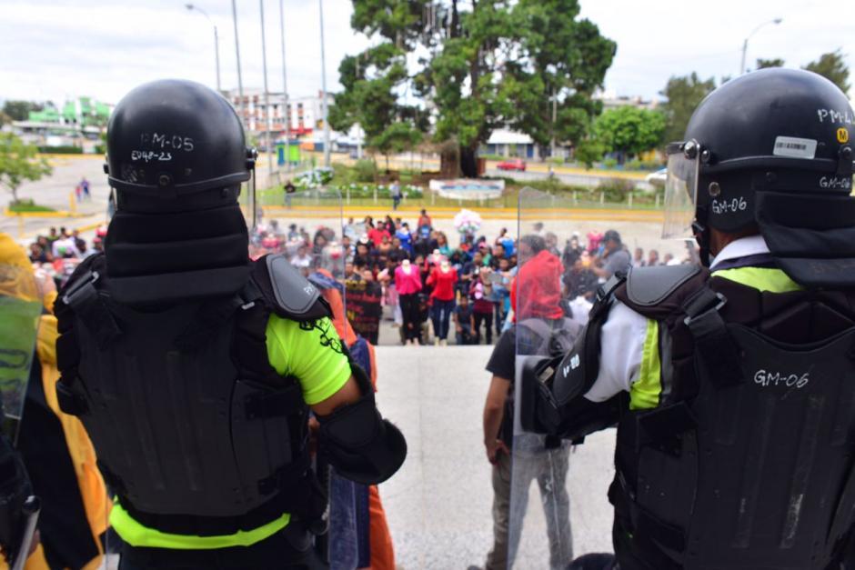 La marcha terminó frente al edificio de la Municipalidad.  (Foto: Jesús Alfonso/Soy502)