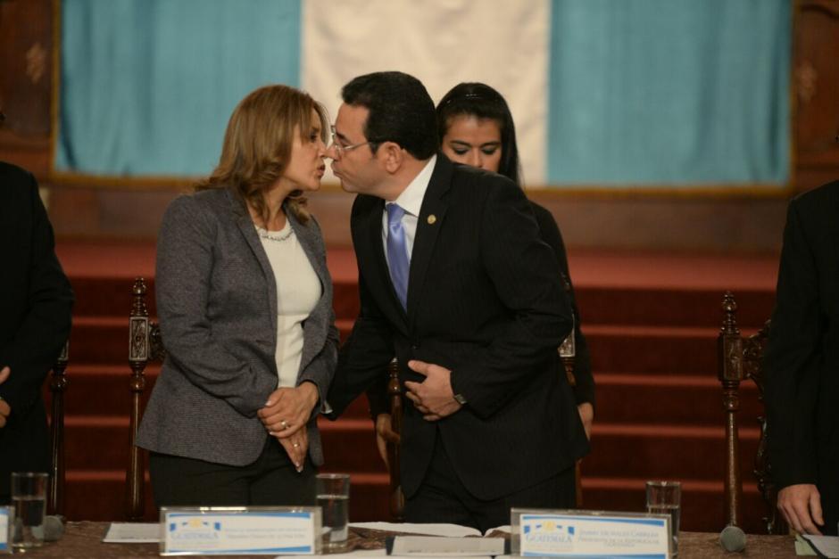 """El presidente Jimmy Morales llamó con cariño a la Primera Dama """"flaquita"""". (Foto: Wilder López/Soy502)"""