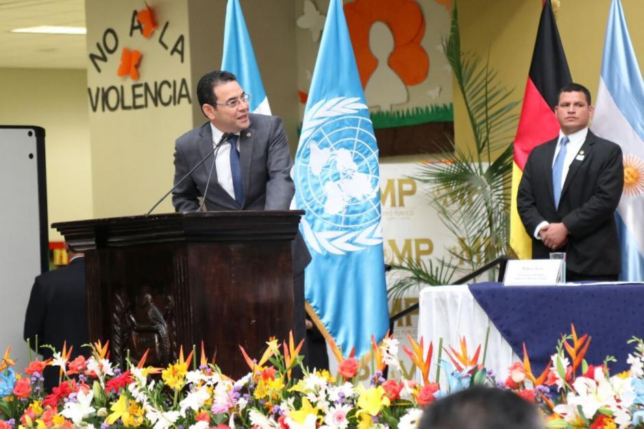 El presidente Morales felicitó la labor de la institución.  (Foto: Alejandro Balán/Soy502)