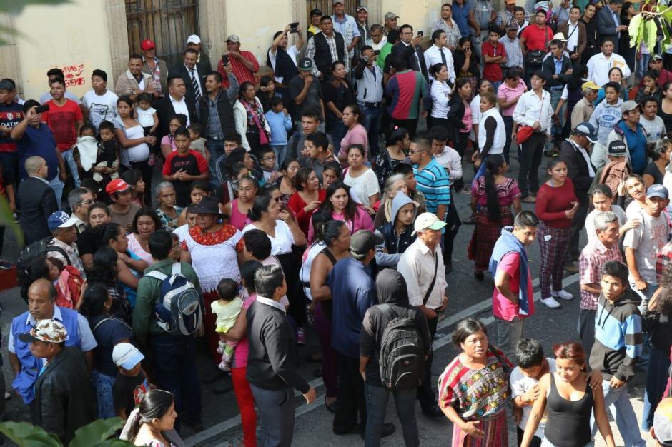 Se prevé que la jornada en el Congreso continúe durante varias horas este martes 29 de noviembre. (Foto: Alejandro Balán/Soy502)