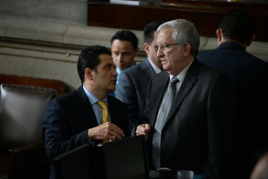 El diputado Oliverio García pidió que se tome nota de los ausentes y solo se acepten excusas justificables. (Foto: Wilder López/Soy502)