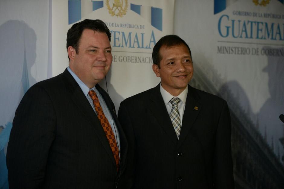 El ministro de Gobernación Francisco Rivas, junto a Seth Stodder. (Foto: Wilder López/Soy502)
